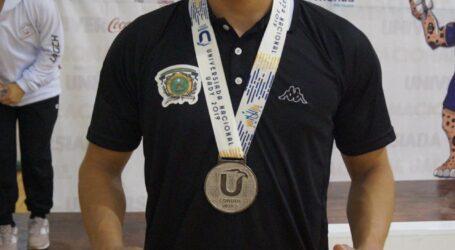 Plata para el halterista Gabriel Arellano