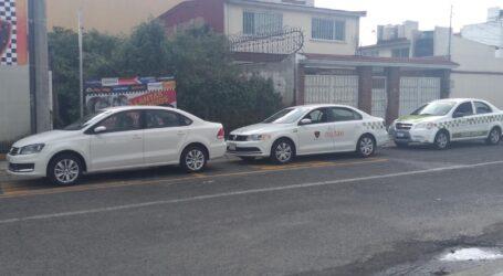 Detienen a dos autos ilegales que Daban servicio colectivo a México