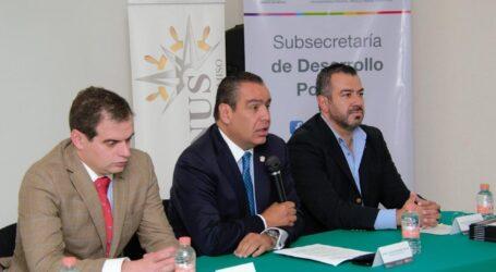"""PRESENTAN EL LIBRO """"ORATORIA Y DISCURSO POLÍTICO: BREVE MANUAL PRÁCTICO"""""""