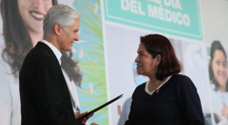 RECONOCE DEL MAZO TRABAJO DE LOS MÉDICOS