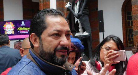 """""""Cantinflea"""" con los cristalazos el Secretario Vázquez del Ayuntamiento"""