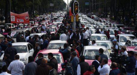 Taxistas piden se aplique la ley; Esperan intervención de AMLO