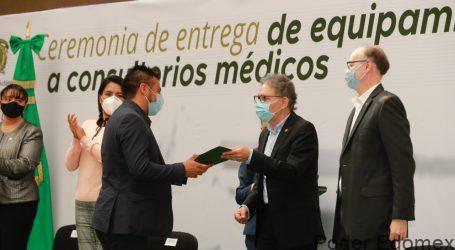 Alfredo Barrera entregó equipamiento a 22 consultorios médicos de la UAEM