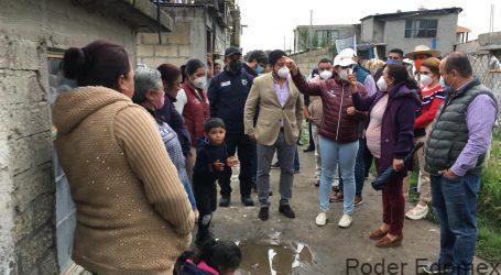Alcaldesa de Metepec asiste a familias afectadas por anegaciones en San Lucas Tunco