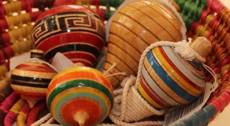 Invitan a regalar juguetes tradicionales en época de Reyes Magos