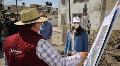 Supervisa Gabriela Gamboa obra de construcción y sustitución de drenaje