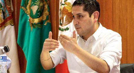 +Declinó Luis Raúl Ortiz; de Vicente y Alba Rojo a fondo, ahora en viernes también Sexo, impudor y partidos