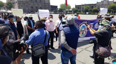 PROTESTAN POLICIAS POR PAGO DE INDEMNIZACIÓN A VIUDAS DE EMBOSCADOS Y FALTA DE EQUIPO
