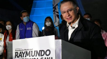 En Toluca inició campaña Raymundo Martínez