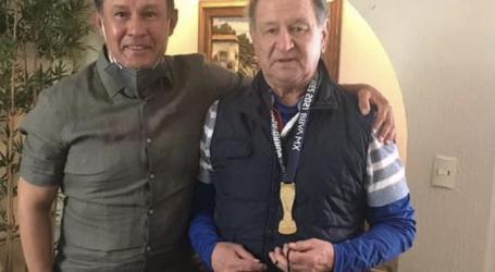 +Ricardo Moreno le dice no a Raymundo; Para Meza la medalla de Reynoso; confirman y denuncian a Fernando Flores; ría con sexo, impudor y partidos
