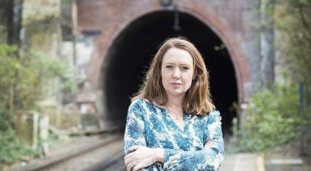 Editorial Planeta publicará A fuego lento, la nueva  novela de Paula Hawkins, autora de La chica del tren