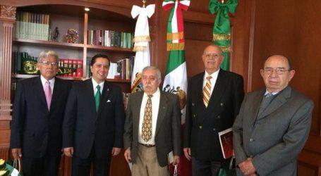 +Raymundo y la fiesta llegaron al Mercado Hidalgo: Palacio Nacional después del desastre; Una nota de mayo de 2042; gasto en política pero no en comercios