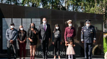 RINDE HOMENAJE SS A ELEMENTOS CAÍDOS EN EL CUMPLIMIENTO DE SU DEBER