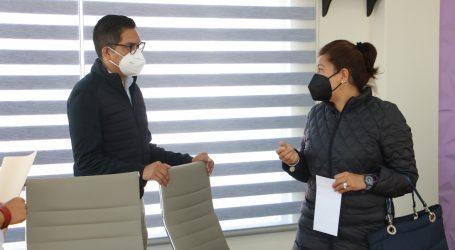 Entrega Manuel Uribe apoyos a maestras víctimas de desastre natural