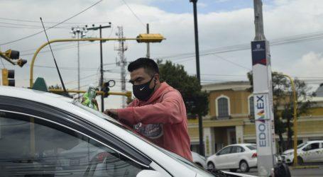VENDEDORES AMBULANTES SUFREN ESTRAGOS POR LLUVIAS QUE LES AFECTAN SUS INGRESOS