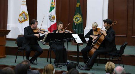 Paris Mozart Orchestra compartió música y conocimientos en la UAEM